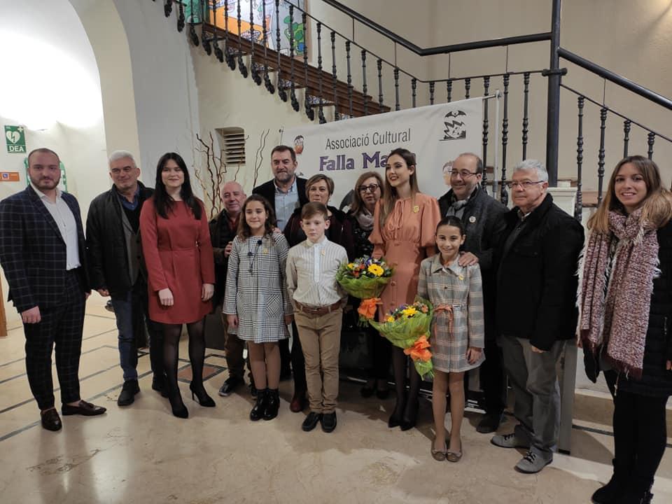 La Falla Plaça Malva d'Alzira atorga el seu Guardó d'Or a l'acadèmica Immaculada Cerdà