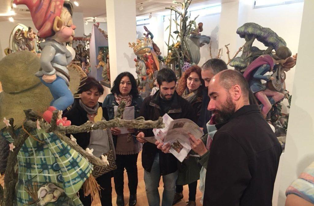 L'Associació Cultural Falla Plaça Malva edita una guia didàctica dedicada al Museu Faller d'Alzira